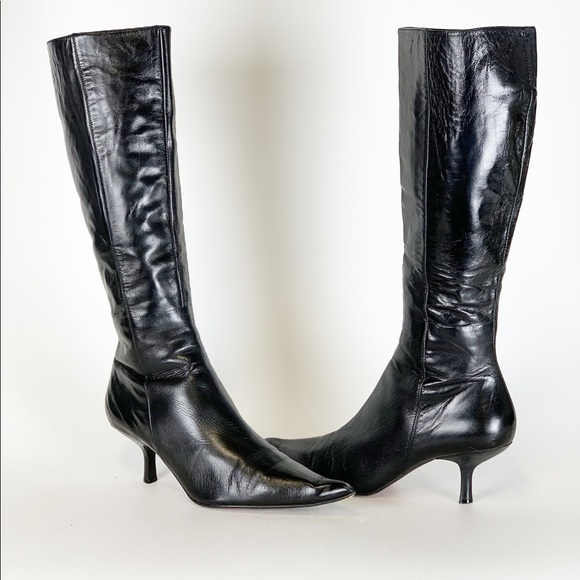 46e03778f43 Steve Madden - Kitten Heel Zip Up Leather Boots 8.  M 5c48fc626a0bb724df645122